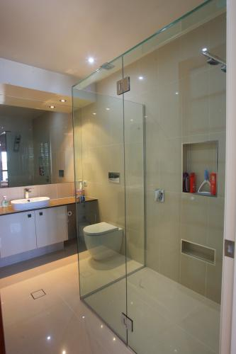 Frameless Shower Installations - Adwords Guide