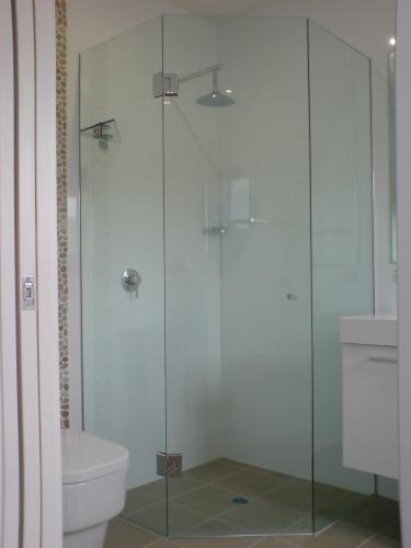 Great Lakes Wardrobes  Shower Screens - Adwords Guide